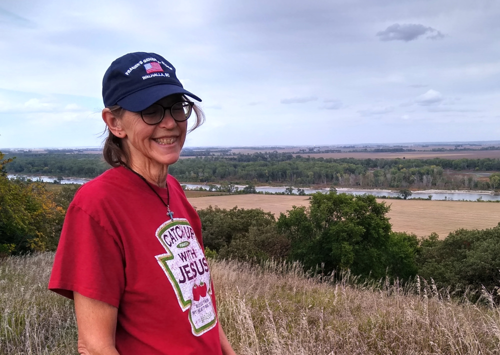 Sue at the Missouri River Overlook on the Omaha Indian Reservation